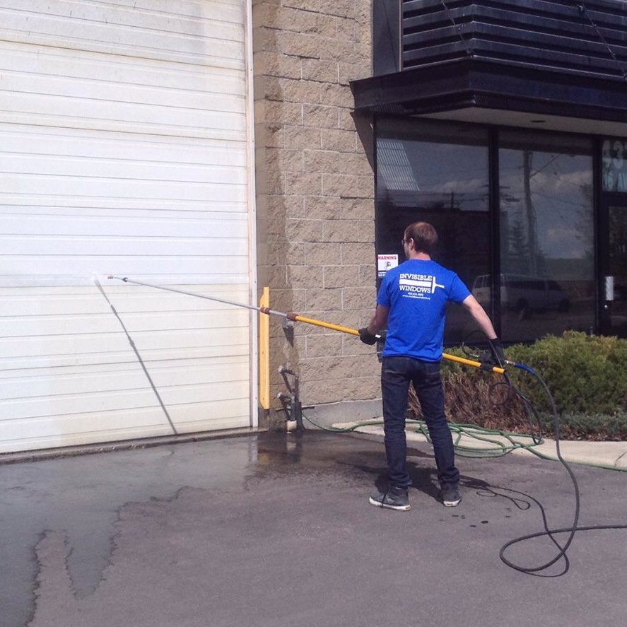 High-rise window cleaning in Calgary